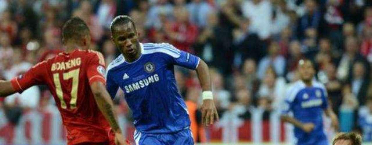 Poco de Didier Drogba se vio en los primero 45 minutos, aunque su sacrificio ayudó a la defensa del Chelsea.
