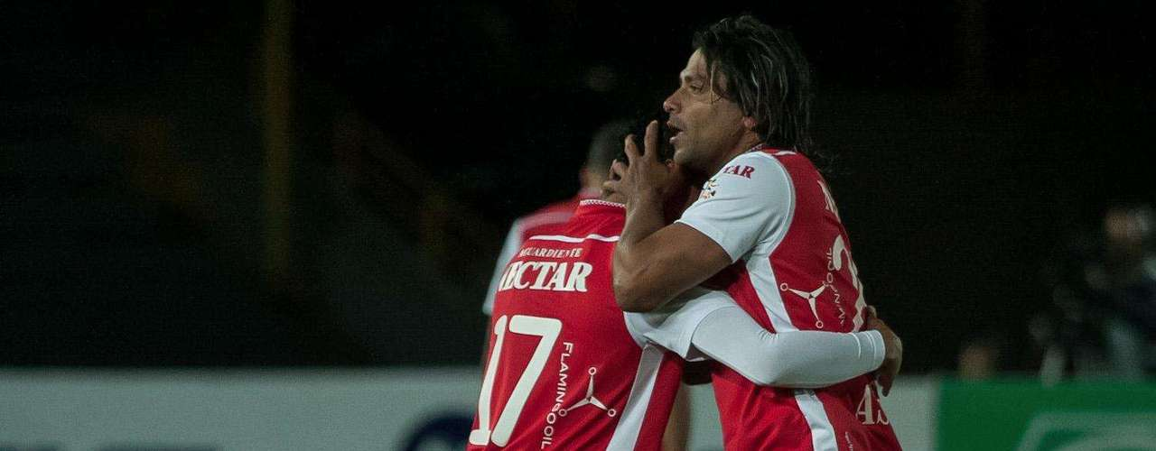 El volante antioqueño marcó el gol de la victoria 'Cardenal' 1-0 contra Itagüí. Santa Fe completó 29 puntos en la Liga Postobón y aseguró la clasificación a los cuadrangulares semifinales.