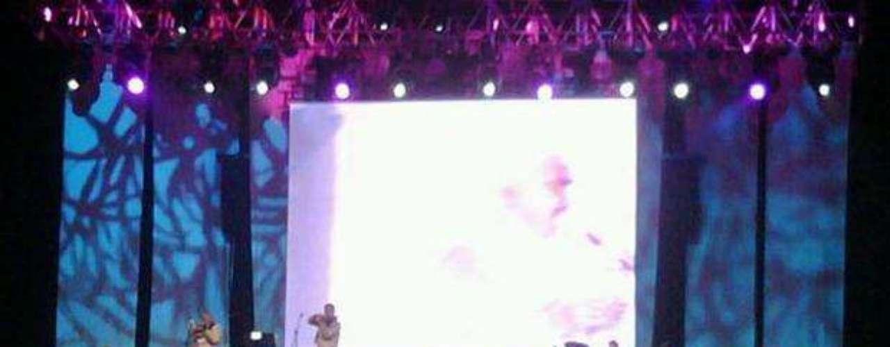 Vicente Fernández se despidió a lo grande del estado Mexicano de Nuevo León, ofreciendo tres conciertos con las entradas totalmente agotadas. \