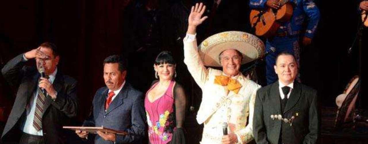 Fernando Allende fue nombrado como Embajador Honorario del Mariachi durante un evento para celebrar el Día del Mariachi en México.