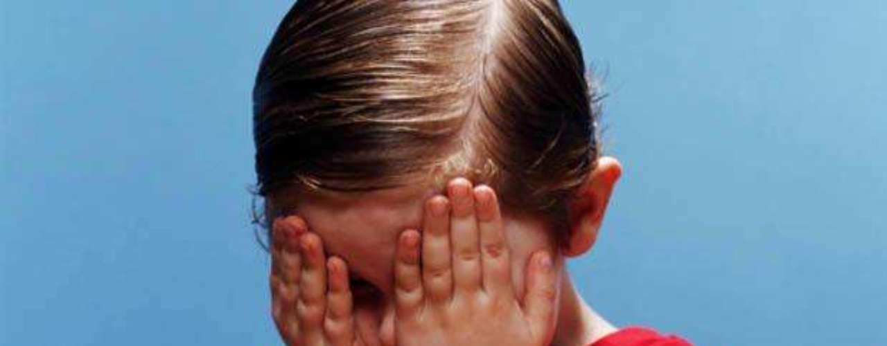El 24 de mayo 2012, una madre mexicana de 23 años fue arrestada acusada de dejar ciego a su hijo en un ritual satánico. Según declararon testigos, unas diez personas estuvieron encerrados varios días bajo efecto de drogas, hasta que en un momento, la mujer le pidió al resto que no mirara. Fue ahí cuando clavó sus dedos en los ojos de su hijo de cinco años. Las lesiones fueron tan graves, que el pequeño no volverá a recobrar la vista.