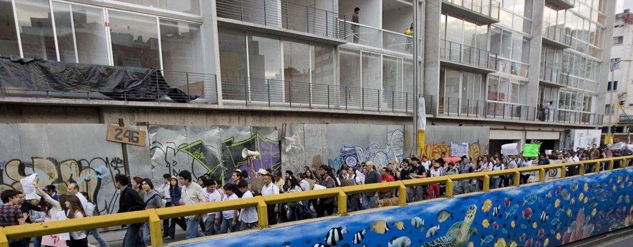 La protesta contra la cobertura de los medios mexicanos fue la bandera inicial del movimiento. Tras la protesta contra Televisa ocurrieron otras movilizaciones, incluso una para rechazar la candidatura de Peña Nieto.