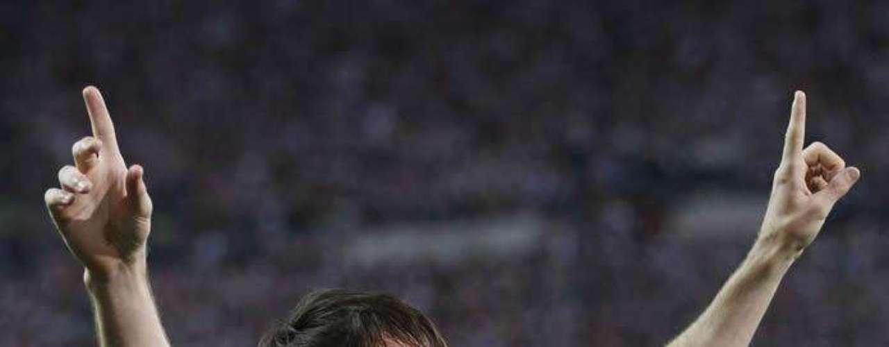 En una maciza presentación, el conjunto catalán con el chileno de titular, apabulló 3-0 al Athletic de Bilbao de Marcelo Bielsa y se quedó con la corona.
