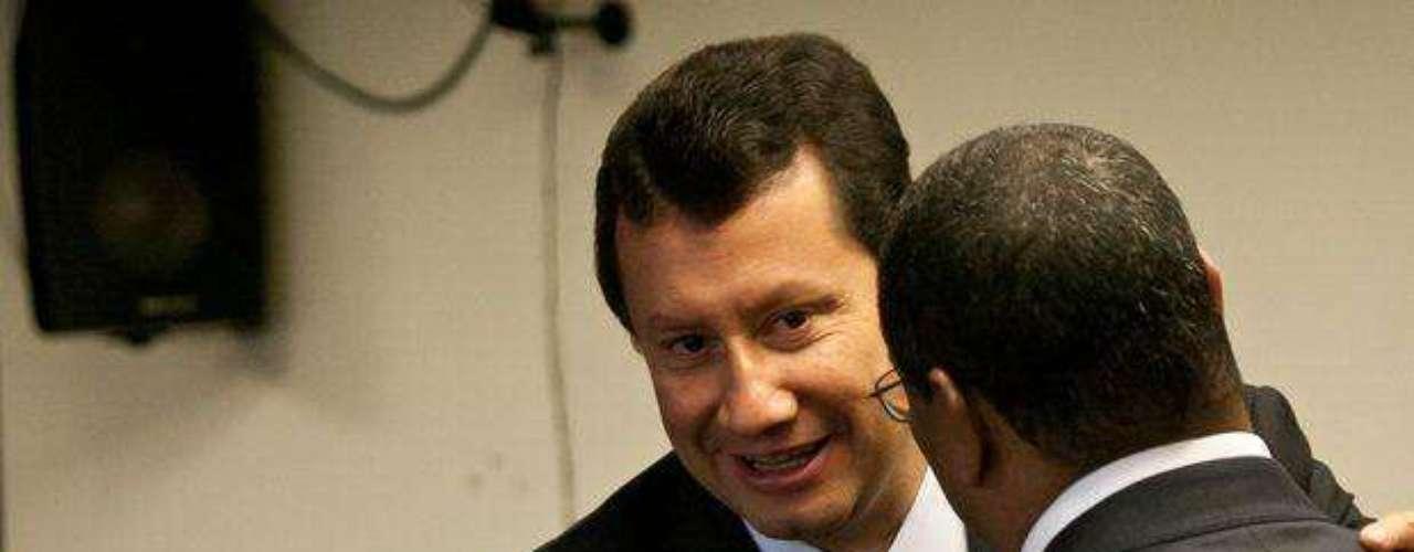 El prestigioso abogado Jaime Lombana (quien también representa al expresidente Uribe, la exsenadora Nancy Patricia Gutiérrez y la compañía petrolera Pacific Rubiales) asumió la defensa de la familia Colmenares Escobar de manera gratuita, al considera que su propio hijo hubiera poder la víctima del polémico caso.