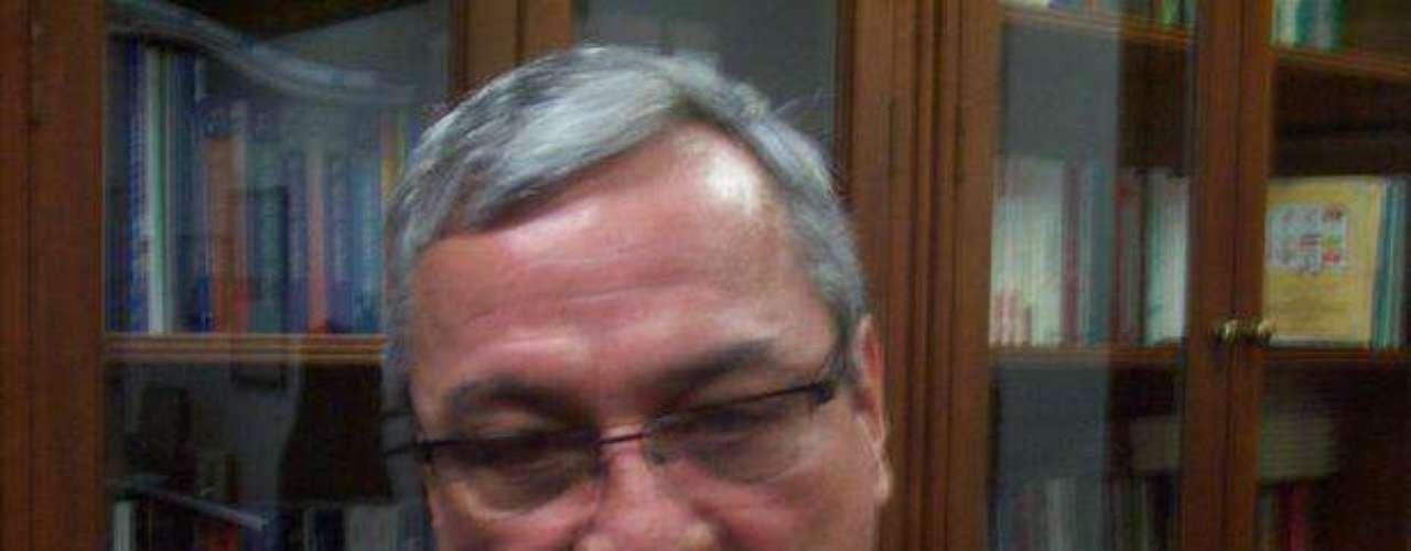 El magistrado Henry Villarraga Oliveros, quien hasta hace poco presidiera la Sala Disciplinaria del Consejo Superior de la Judicatura y se encuentra en licencia para aclara su presunta participación en el escándalo del Carrusel de las pensiones, es la persona a cargo de investigar las posibles irregularidades en las que habrían incurrido la abogada Aidé Acevedo y el director nacional de fiscalías, Néstor Armando Novoa, así como los peritos del CTI que adelantaron el primer levantamiento del cadáver.