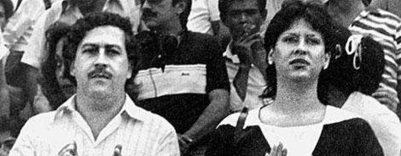 Escobar era fiel seguidor del fútbol y siempre se le veía en las tribunas, algunas veces acompañado por su esposa e hijo en principio.