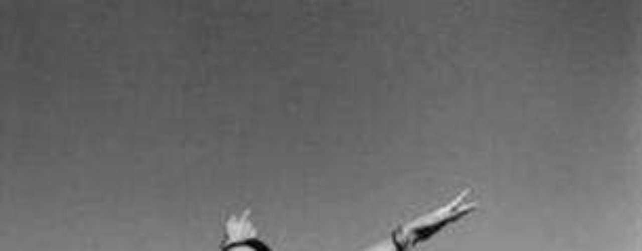 Durante cerca de 17 años fue colaborador de la revista, y contribuyó con sus comentarios en su columna Chiles verdes, que luego fue compendiada en un libro que publicó la Universidad Autónoma Metropolitana (UAM). El volumen recoge sus escritos, producto de su agradable habilidad como charlista, añadió Carbot.