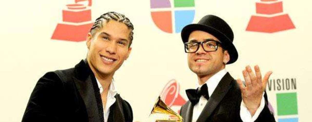 El 2010 fue el año del despegue profesional para Chino y Nacho. 'Mi niña bonita' fue la canción que dio la vuelta a toda latinoamérica haciéndolos acreedores al número 1 en las listas de Billboard.