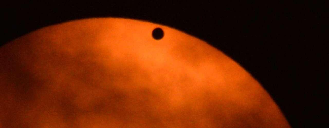 Su tránsito frente al Sol ayudará a los científicos a desvelar algunos de sus misterios.