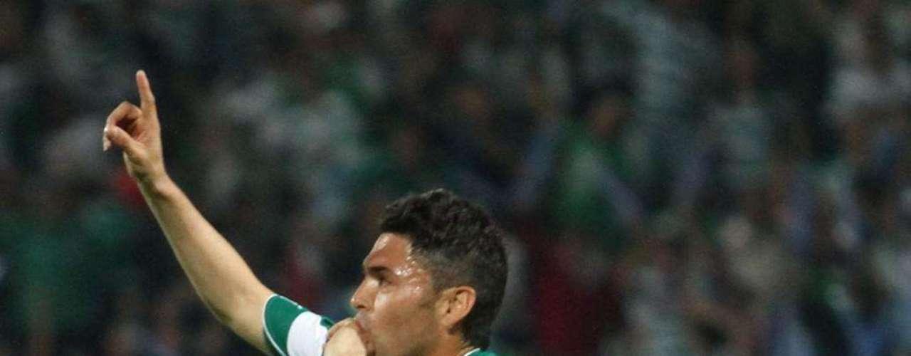Carlos Adrián Morales dejó al campeón Santos para fichar con Morelia.