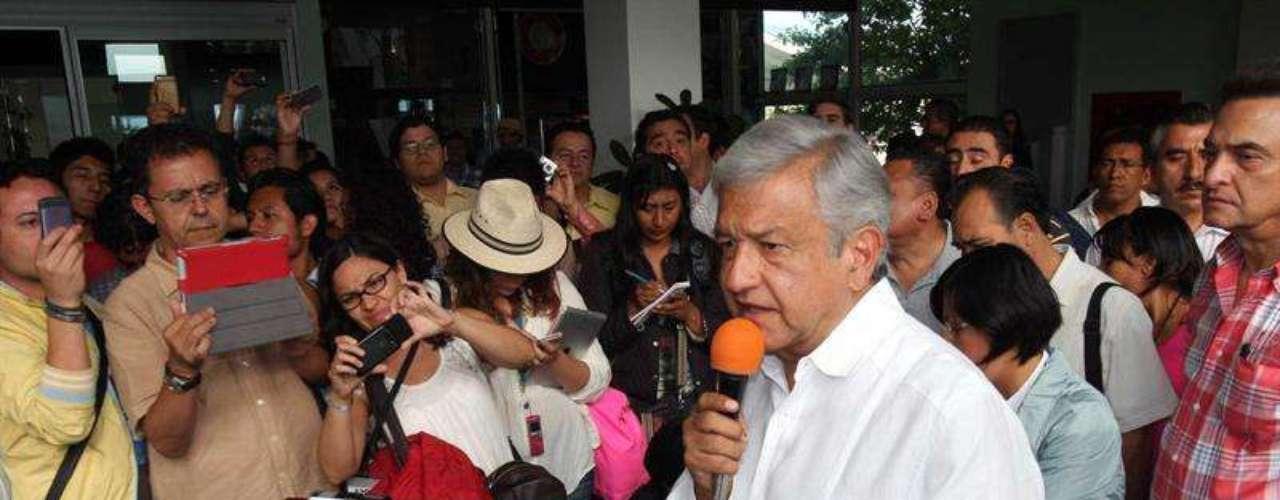 Además, los creativos de la empresa trabajan en la actualidad para sacar campañas con otros dos candidatos presidenciales, Josefina Vázquez Mota y Andrés Manuel López Obrador.