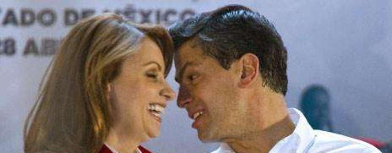 La fama de mujeriego persigue al candidato del Partido Revolucionario Institucional (PRI), pese a que él trata de explotar al máximo su imagen de padre de familia junto a su actual esposa, la actriz Angélica Rivera.