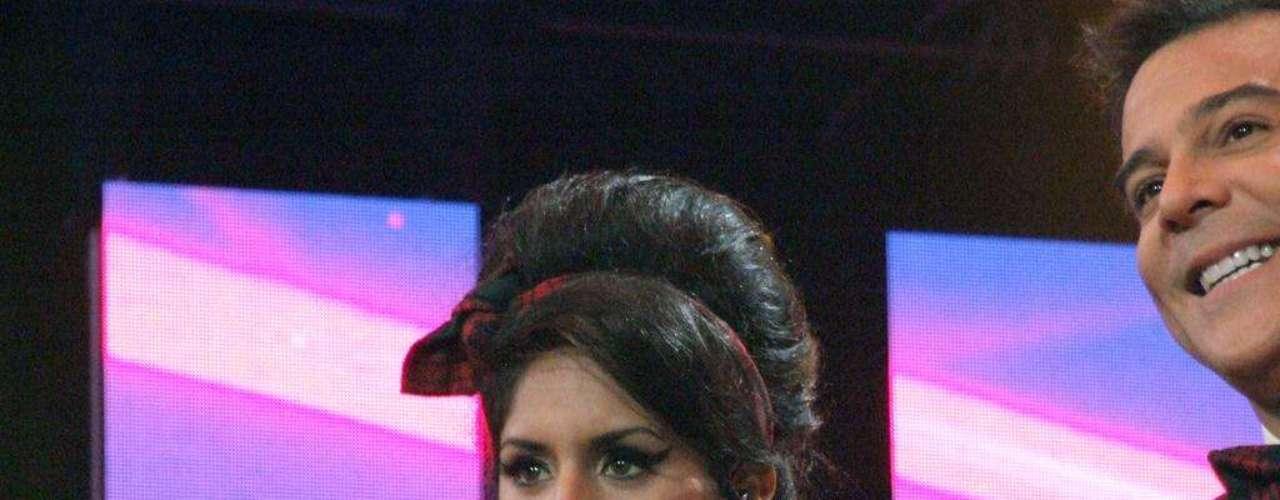Amy Winehouse, interpretada por Ani Rodríguez, interpretando \