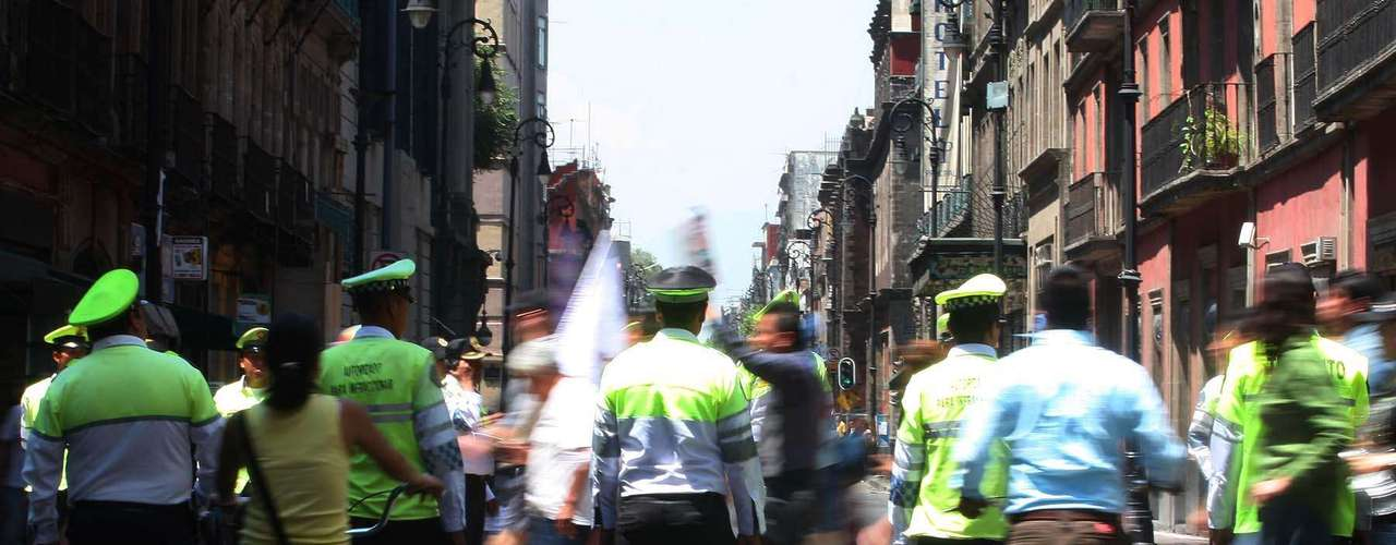 Elementos de la policía capitalina conservaron el orden de la marcha.