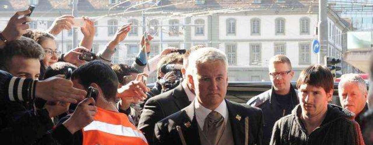 Así fue la llegada de Lionel Messi al Hotel Schiwezerhofl donde se alojó junto a sus compañeros, previo al amistoso ante Suiza