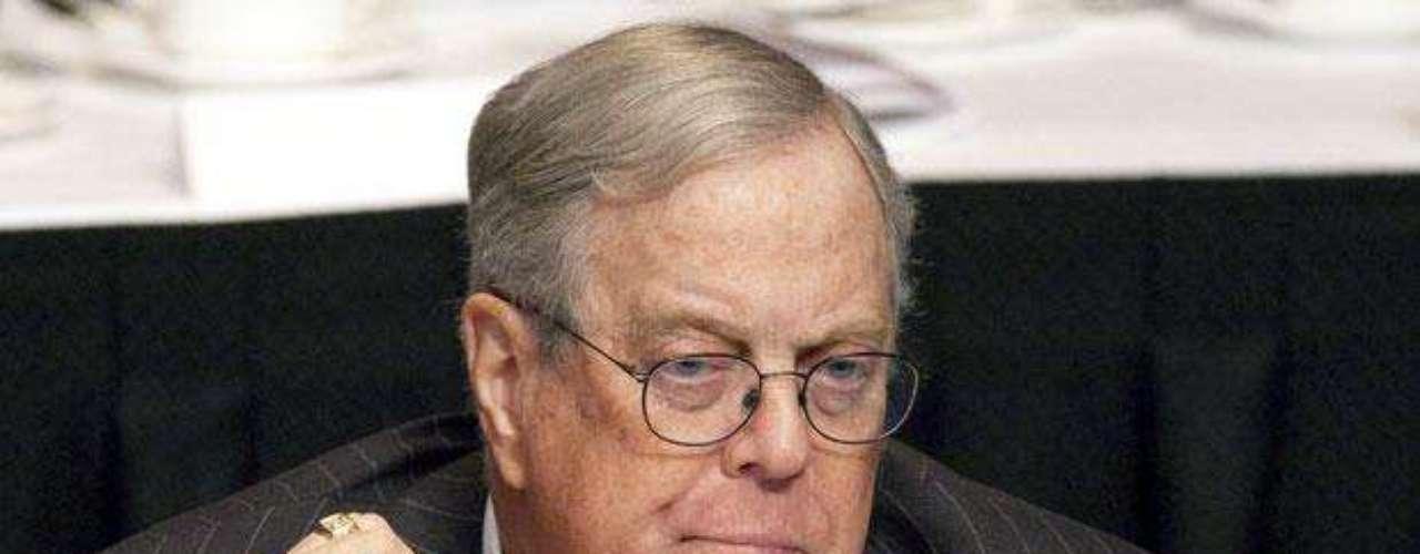 David Hamilton Koch: Empresario estadounidense, filántropo, activista político e ingeniero químico. Co-propietario, junto con su hermano Charles, y vicepresidente ejecutivo de Koch Industries. Tiene una fortuna de $34,000 millones de dólares.