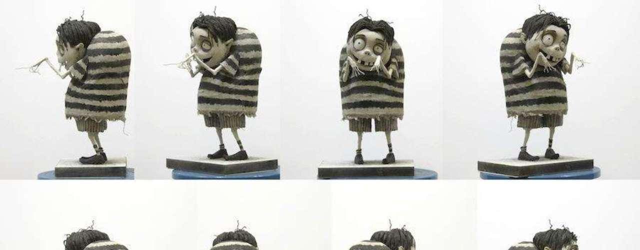 La realización de una cinta de animación es una tarea bastante compleja, aún más con la técnica Stop-Motion. El director Tim Burton siempre sorprende con cada una de sus producciones y ahora regresa con 'Frankenweenie', retomando la estética de cintas como 'El Cadáver de la Novia'. Disrute de las imágenes exclusivas del detrás de cámaras de 'Frankenweenie' que estará muy pronto en pantallas.