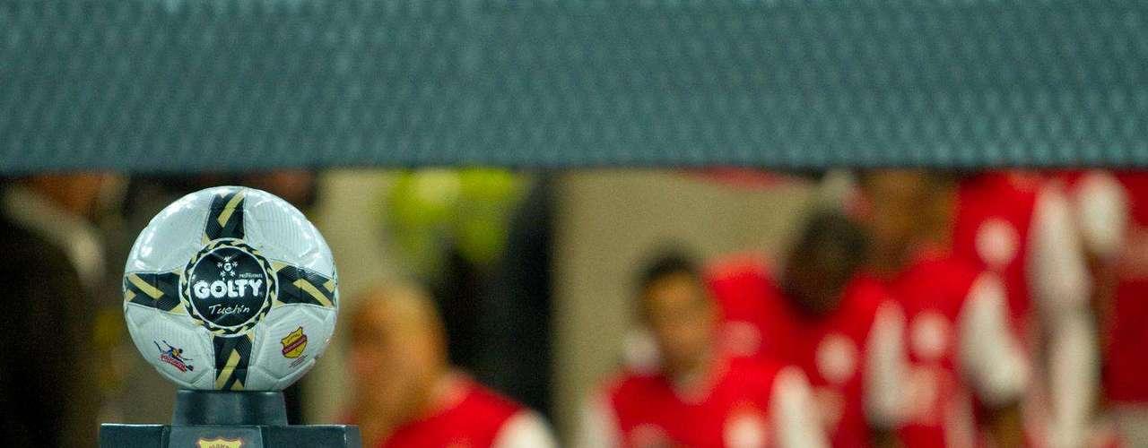 Santa Fe saltó a la cancha con el objetivo de sumar tres puntos ante un duro rivla como el Chicó.