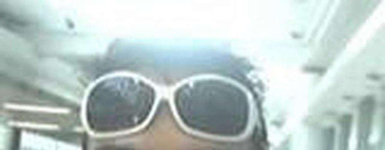 A Magnotta, de 29 años y detenido el 4 de junio en un cibercafé de Berlín, se le imputa haber asesinado y descuartizado al estudiante chino. Además el acusado grabó la acción con una cámara de video, colgó las imágenes en internet y envió partes del cadáver a distintos destinatarios.