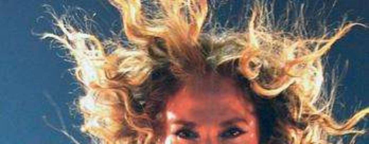 Como una reina lució la ex esposa de Marc Anthony durante todo el espectáculo,