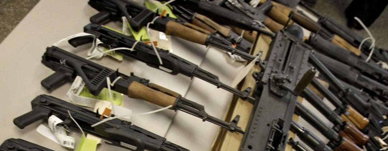 La operación 'Rápido y Furioso' no ha sido suspendida y aún se tiene noticia de tráfico de armas por la agencia del gobierno estadounidense hacia