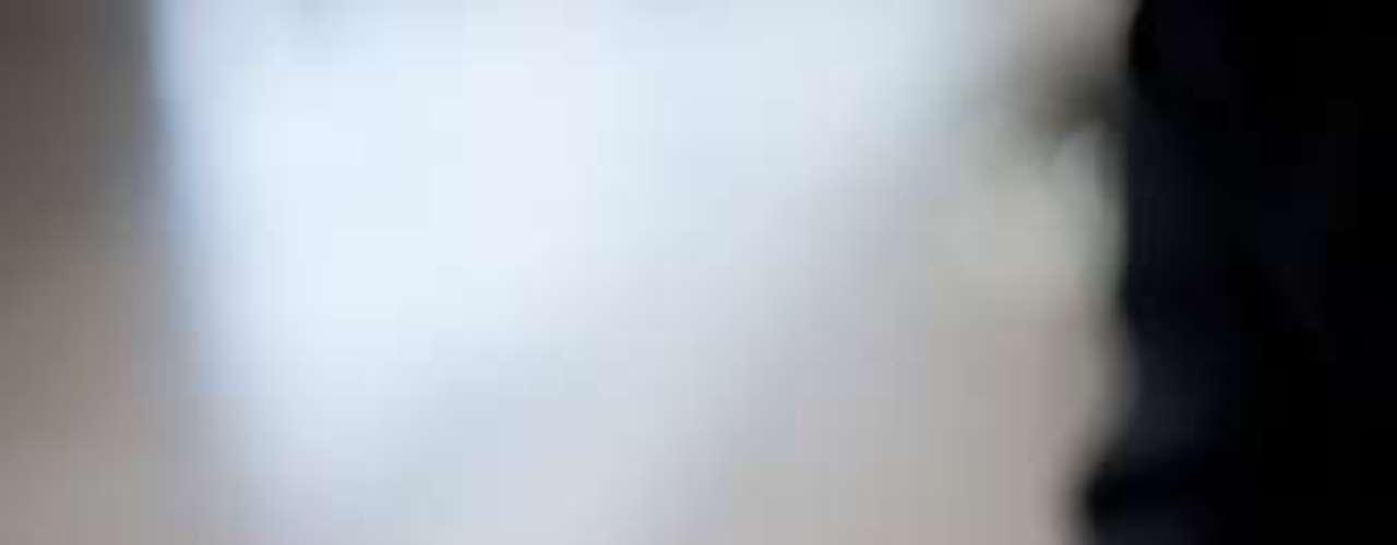 Israel Ferrer, de android.es, recomienda tres. Una de ellas es Pocket, la cual cuenta que es muy útil para poder leer artículos en modo libro y offline. Te permite decidir tamaño de letra, luminosidad de fondo y combinación de colores. Otra aplicación es SwiftkeyX, con el mejor teclado posible y Lookout, la suite de seguridad que necesita cualquier android.