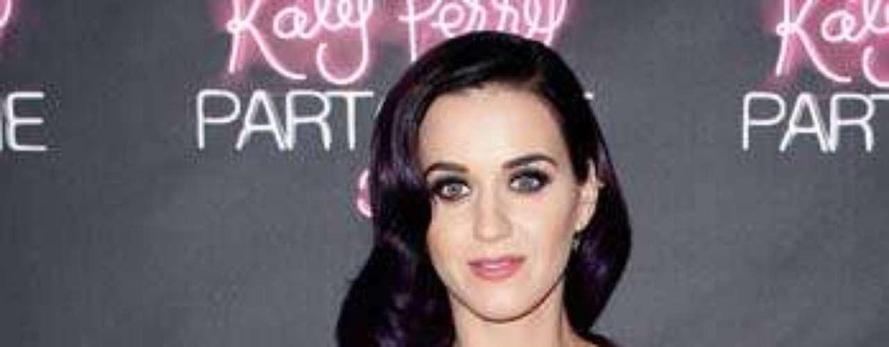 Katy Perry enseñó parte de su vida en el estreno de su documental autobigráfico en 3D \