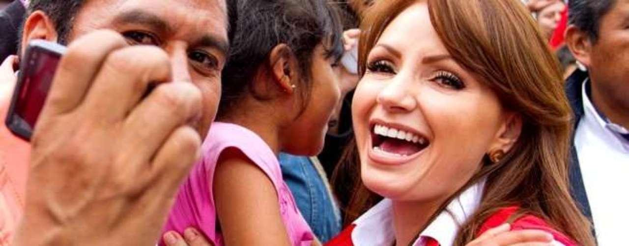 Los resultados aún no son oficiales, pero a juzgar por los números Angélica Rivera es la virtual nueva primera dama de México. Su esposo Enrique Peña Nieto se imponía el domingo en las elecciones presidenciales de ese país.