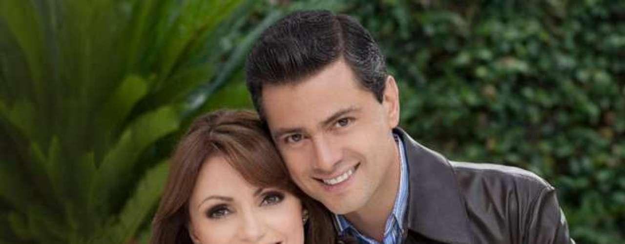 Rivera, de 41 años, asistió a la mayoría de los actos de Peña Nieto, grabó a su esposo con un teléfono celular y colocó videos en el sitio que el mandatario electo tiene en YouTube, lo que transformó la campaña en un verdadero reality show.