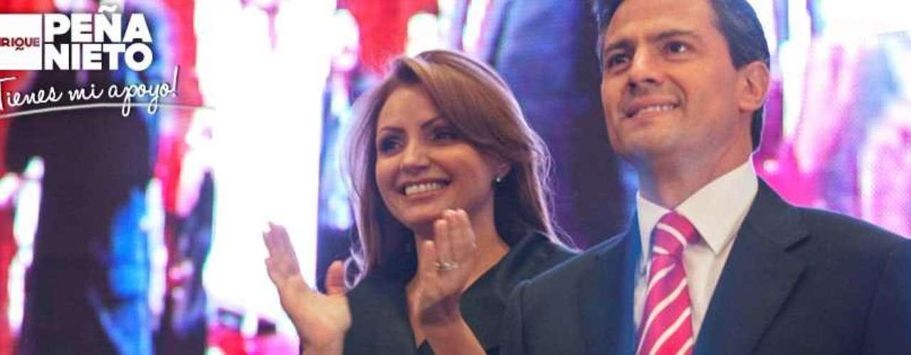 La actriz acompañó a Peña Nieto a lo largo de su campaña presidencial, visitando varias ciudades en distintos puntos del país. Sobre esa experiencia, escribió la semana pasada en su cuenta de Facebook, un par de días antes del cierre de campaña: \