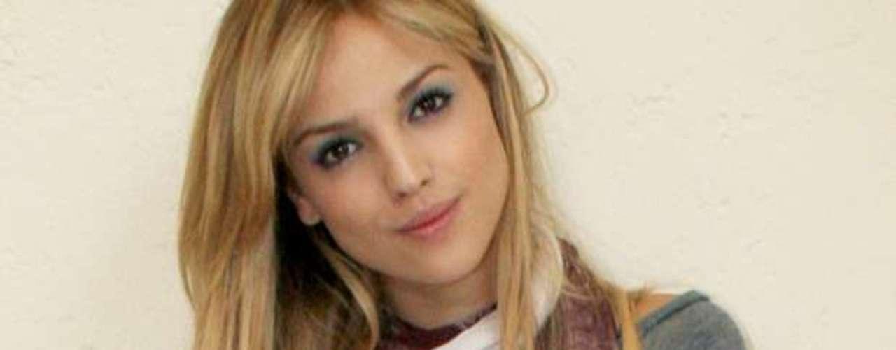 Eiza González muestra un lado más sincero y personal en su nueva producción discográfica \