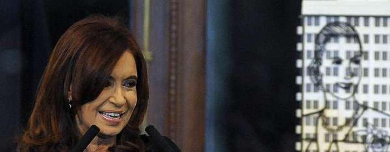 Durante un acto en la Casa Rosada la presidenta de Argentina, Cristina Fernández, presentó unos muñecos inspirados en ella misma.