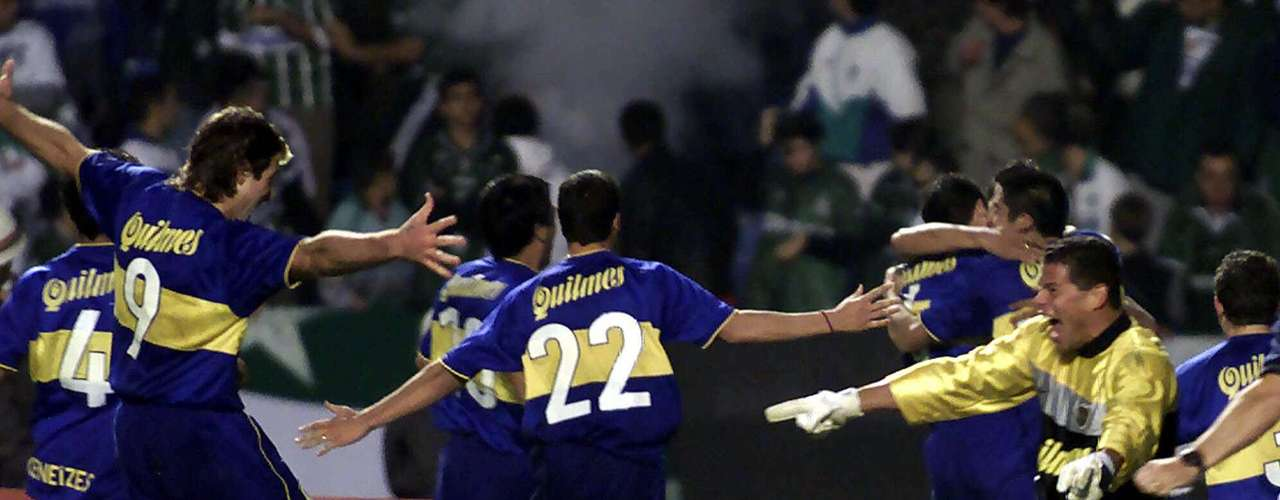 In 2000, Boca Juniors began to exert its dominance of the Brazilians with a win 4-2 in penalty shootouts in Brazil against Palmeiras after tying 2-2 in aggregate over the two legs.