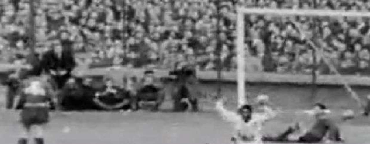 Brazil got the early advantage with the help of Santos and Brazil, which defeated Boca in the 1963 final with wins on both legs 3-2 and 2-1.