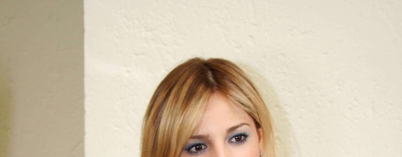 La cantante aseguró en una entrevista con Mezcalent que en los temas de su autoría comparte sus sentimientos más íntimos.