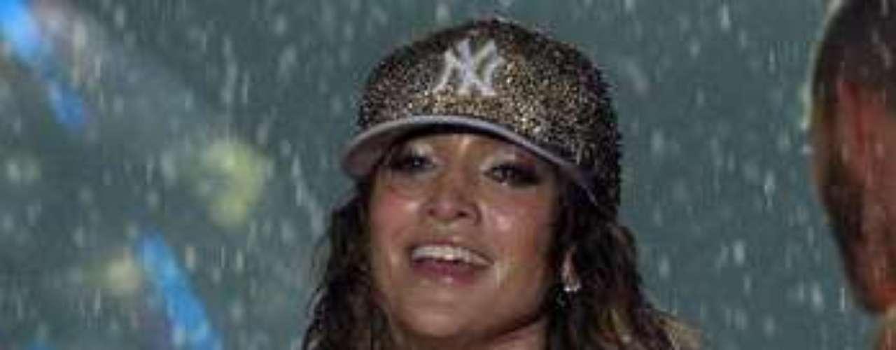 A través de su cuenta en Twitter, la diva agradeció a sus seguidores por desafiar el mal tiempo con ella.