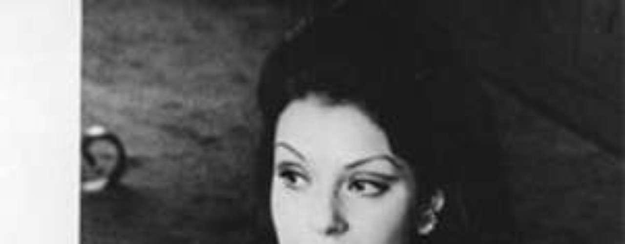 En 1978 contrae matrimonio con el director argentino David Stivel, de quien se separó en 1981 y se divorció en 1983.