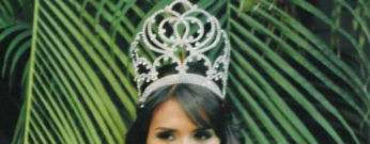 Laura Zúñiga. Quien fuera Miss Sinaloa 2008, perdió su corona tras ser arrestada con personas que se dedican al crimen organizado. Pese a que la ex Miss fue declarada inocente, el comité organizador optó por quitarle el preciado laurel.