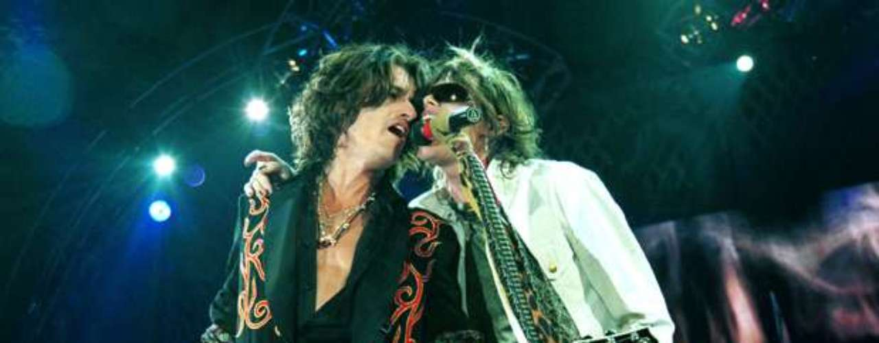 Joe Perry, de Aerosmith, lleva en su guitarra el emblema de la nación.