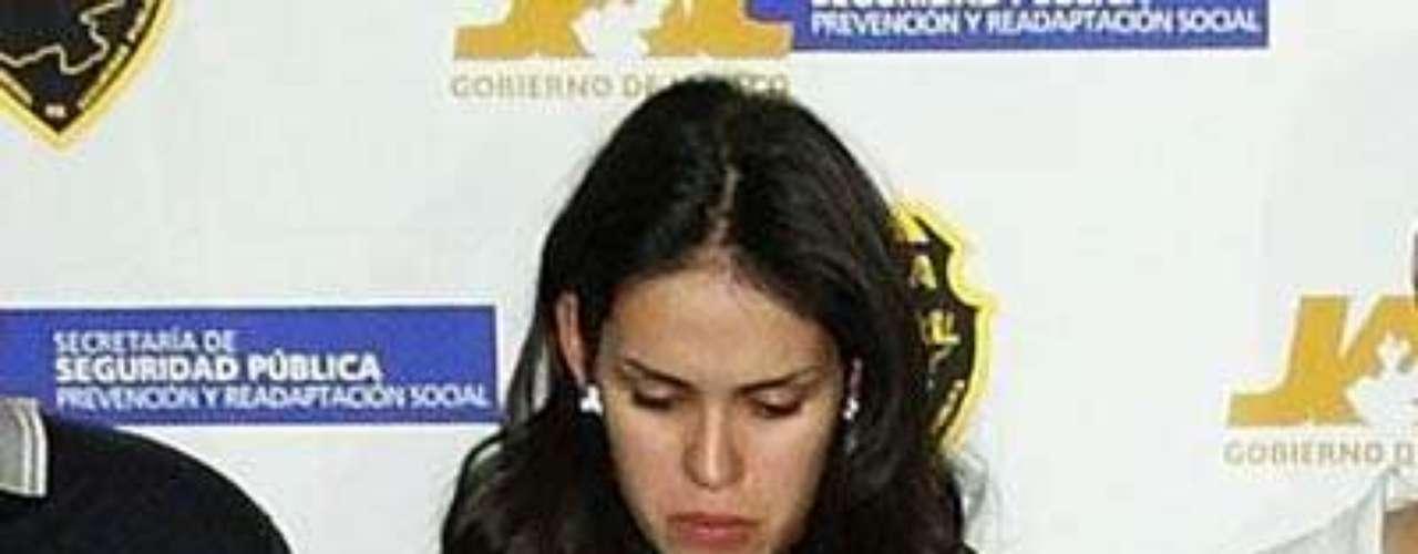 Esta mujer en la actualidad enfrenta cargos por delincuencia organizada, lavado de dinero y conspiración para el tráfico de drogas. Una de las más importantes operadoras del cártel de Sinaloa y encargada de las 'relaciones públicas' del 'Chapo Guzmán', fue detenida el 28 de septiembre del 2007 junto a su novio el capo Juan Diego Espinosa Ramírez.