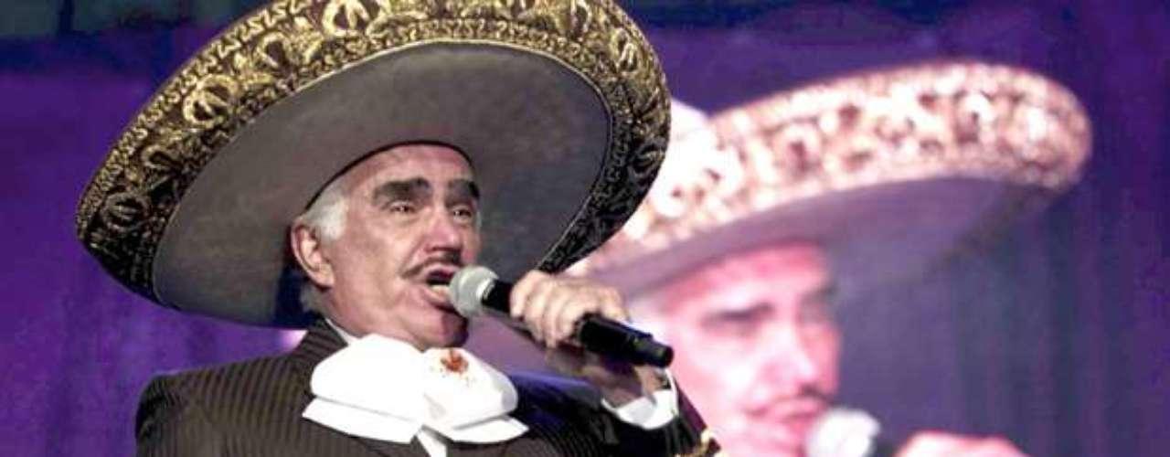 Vicente Fernández aseguró en un programa de la televisión chilena, que por su destacada carrera como cantante no ha podido disfrutar a plenitud de su esposa y familiares. Nunca he disfrutado a mi mujer ni ella a mí, porque yo me dedico a cantar, yo vivo para cantar. Por vivir para cantar me olvidé de vivir con mi mujer, con mis hijos y con mis nietos\