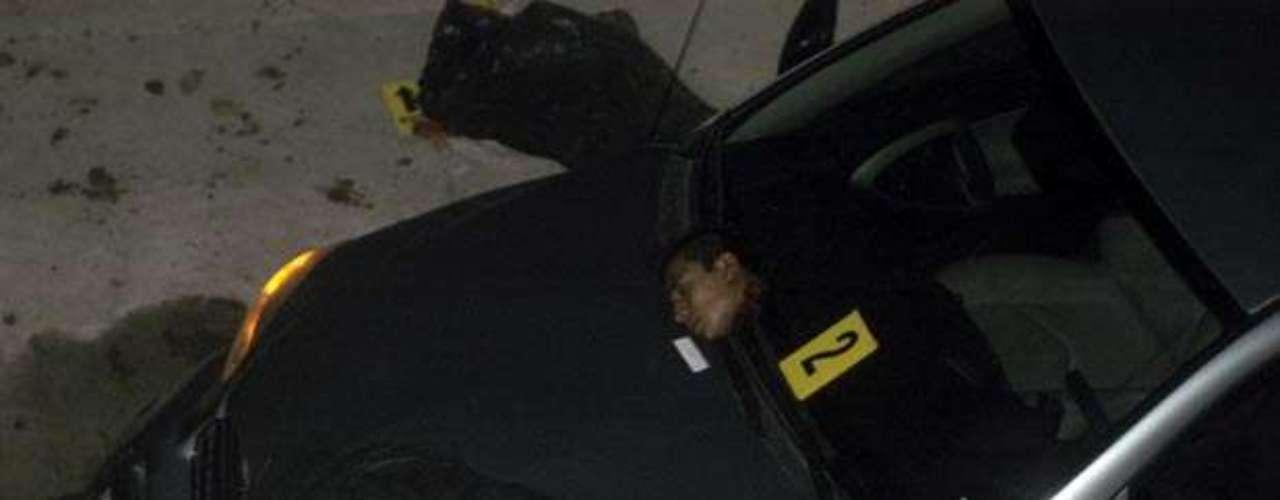 En mayo los cuerpos mutilados de 14 personas fueron hallados en un vehículo en una de las principales arterias de Nuevo Laredo, en el noreste de México. Las víctimas, sin cabezas, fueron encontradas en bolsas negras dentro de una camioneta tipo Van estacionada frente a la sede de la Asociación de Agentes Aduanales del Estado fronterizo.