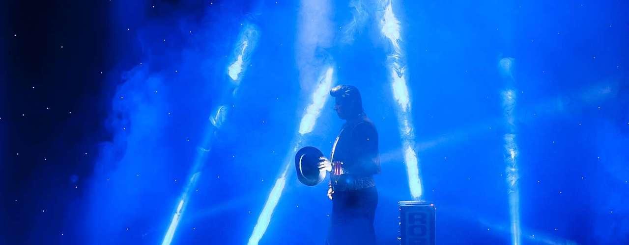 Siete magos reconocidos a nivel mundial llegaron a Colombia para ofrecer todo un despliegue de distintas disciplinas del arte de la magia. Mike Michaels de Estados Unidos, José Simhon de Colombia, Serjo de España, el Dúo Kybalion de Rusia, Radagast y Fernando Arsenian de Argentina estarán presentando 'Las Vegas Magic Tour' en el Teatro La Castellana. Estas son las mejores imágenes del show.