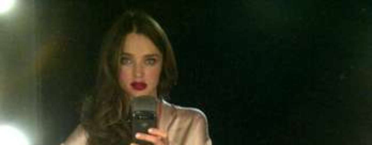 Miranda Kerr strikes again!  The model reportedly took this picture after a shoot.