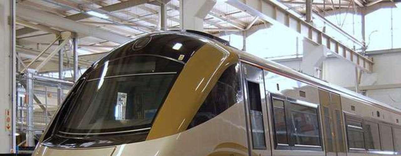 El Gautrain es un sistema de transporte masivo de alta velocidad utilizado en la provincia de Gauteng, Sudáfrica. El sistema conecta Johannesburgo y Pretoria con el Aeropuerto Internacional O.R. Tambo. La línea, que opera desde el 2010, se caracteriza por viajar a velocidades promedio de 160 km/hr.
