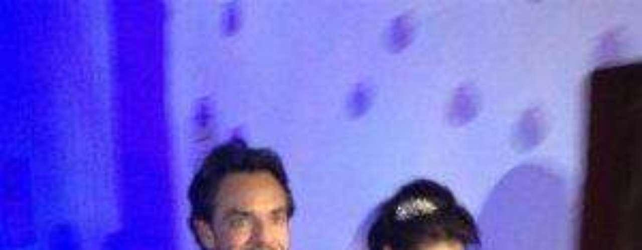 La pareja de tortolitos lució impresionantemente bella este día tan importante, en el que se dieron el 'sí' ante más de 700 invitados.Síguenos en:     Facebook -   TwitterEugenio Derbez y Alessandra Rosaldo se dieron el 'sí'FOTO: El regalo de Eugenio Derbez a Alessandra Rosaldo en su boda: ¡Tremenda motocicleta! '