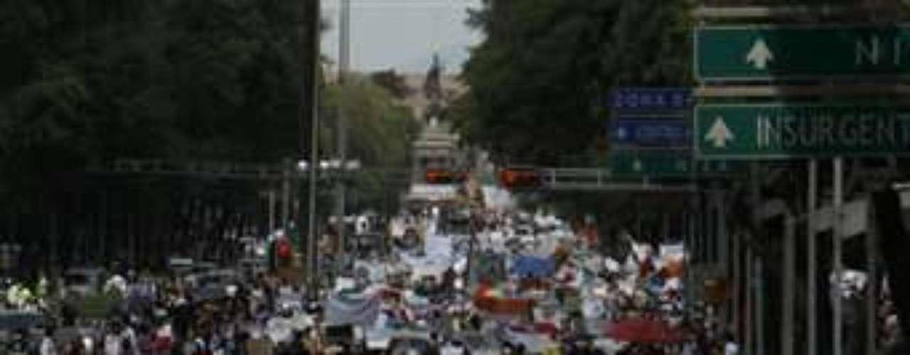 El movimiento estudiantil YoSoy132, que surgió en contra de la figura de Peña Nieto, aclaró que ellos no convocaron a esta movilización.