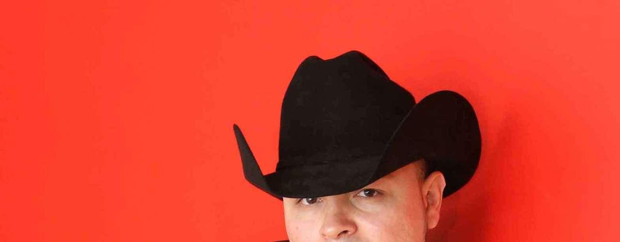 Miguel Galindo, ex integrante de K-Paz de la Sierra, promociona su segundo sencillo, de su atoría, Atrévete, el cual espera que tenga gran aceptación como lo tuvo el tema Tal Vez No Supe Amarte.