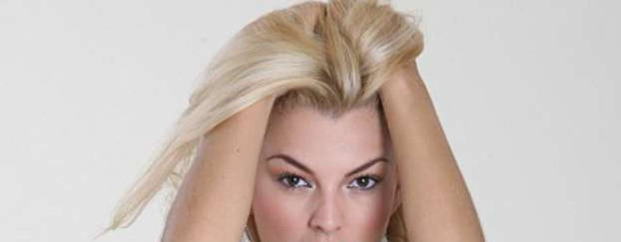 Aún no es muy conocida en México, pero De Sousa tiene una exitosa carrera en telenovelas, tanto en Venezuela como en Estados Unidos.