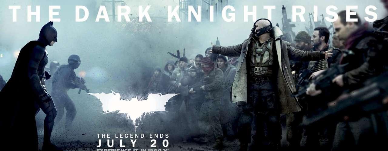 10. La entrega de The Dark Knight Rises tendrá un estética completamente diferente a las primeras dos cintas Batman Begins y The Dark Knight, algo se ha podido ver en las imágenes, afiches y clips revelados.